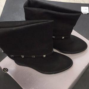 Brand New Jennifer Lopez RHEENA BLACK